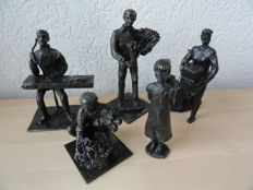 """Corry Ammerlaan, collection of 5 heavy bronzed figures, black patinated, flower auction """"Royal Flora Holland"""""""