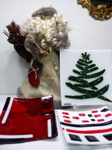 Large Santa Clause and Fused Christmas tree with dichroic and iridescent glass and two plates