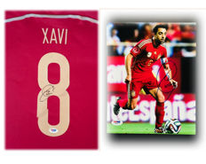 Xavi Hernandez #6 / Spain - Authentic & Original Signed Home Jersey & Signed Photo ( 20x25cm ) with Certificate of Authenticity PSA/DNA