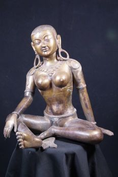 Bronze statue of Parvati - Nepal - late 20th century (47 cm)