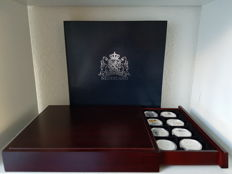 "The Netherlands - medals in luxurious case ""The Netherlands commemorates in 40 medals"""