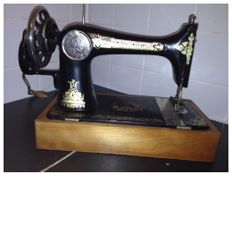 Antique Sewing Machine ,Singer Manufacturing Company -127k  year 1930