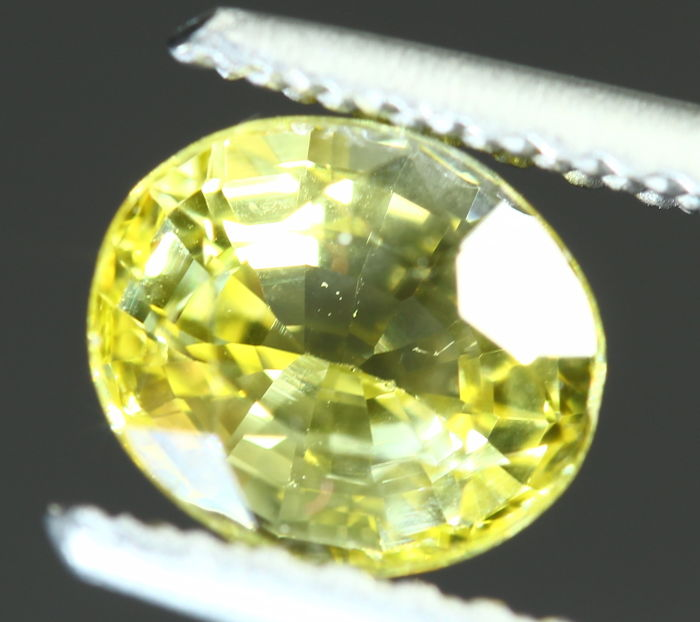 Yellow Sapphire - 0.97 cts - No reserve price
