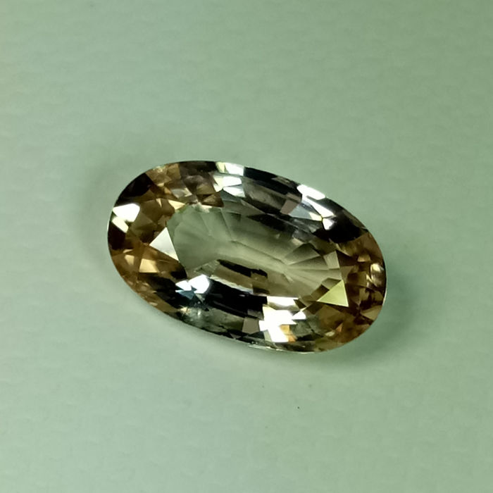 Brown Zircon - 2.29 ct