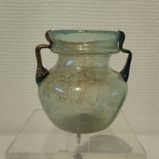 Roman two-coloured glass vase - 8.3 cm high