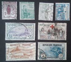 France 1917/1927 - Selection of 8 stamps including Orphans and 2 signed Calves - Yvert #148-152, 156, 231 and 232