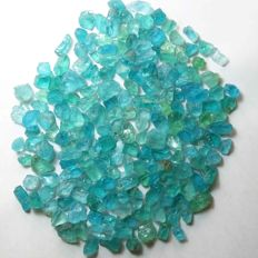 Large lot of rough blue Apatite crystals - 500.55 cts