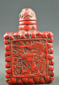 Coral, tobacco snuff bottle - Post-1940