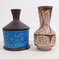 Bitossi and unknown designer - Rimini Bleu pot with lid and white/gold coloured vase