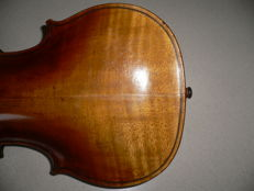 Old Bohemian intact 4/4 violin with label by Homolka, 1885, without damage