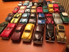 Dinky-Matchbox - Scale 1/43 - Lot with 33 models: Bentley, MG, Ferrari, Corvette, Aston Martin & Ford
