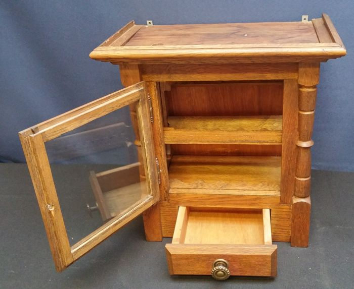 Vintage oak pipe holder cabinet and two cigars molds - Vintage Oak Pipe Holder Cabinet And Two Cigars Molds - Catawiki