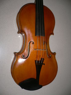 Beautiful intact Bohemian 4/4 violin with 3 brands and label by Frantisek Xaver DROZEN (1947)