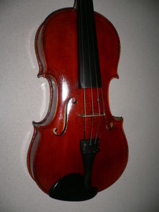 Old Bohemian intact 4/4 violin with Benjamin Patocka label, signs of wear, well repaired crack in the top