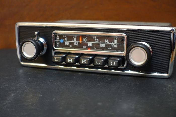 blaupunkt frankfurt classic car radio with fm 1971. Black Bedroom Furniture Sets. Home Design Ideas