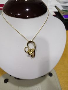 18 kt gold necklace - heart-shaped pendant with angel