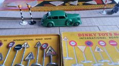 Dinky Toys - Scale 1/43 -  Accessories: Nos.37a, 754, 777(2) and 39d Buick Viceroy Saloon