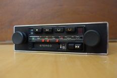 Grundig WKC2035 VD classic car radio with cassette player - vollstereo - 1978