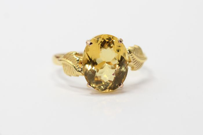 18 kt gold ring set with gold beryl 2.50 ct, size 55.