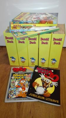 Donald Duck (magazine) + Donald Duck Extra (magazine) - Years 2001 + 2002 - 130x sc  + 4 Holiday and winter books - sc- (2001/2002) + 2 anniversary editions (1982+1997)