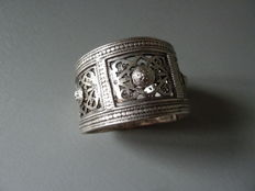 Solid silver bracelet - North Africa - First half of the 20th century