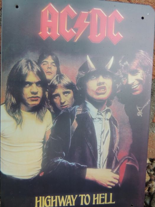 Two Stunning AC/DC - Angus Young - Malcom Young - Metal Memorail + Signs  - Very Decorative -
