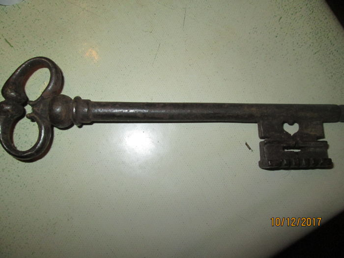 Steel key - French - 17th century