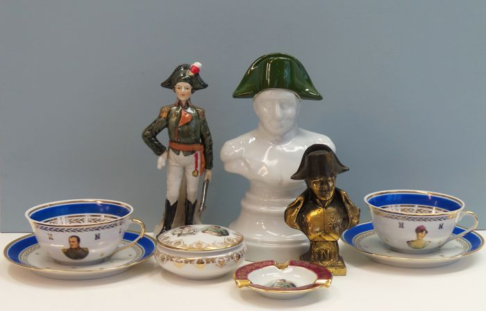 Napoleon Napoleon collection - Pair of porcelain cups and saucers Napoleon and Josephine, cognac jug, bust, ashtray, Marechal and ashtray (7)