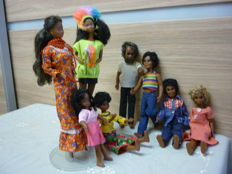 8 Dark dolls by Mattel - including Carla (Barbie) and Sunshine family