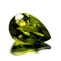 Peridot - 7.28 ct  - No Reserve Price
