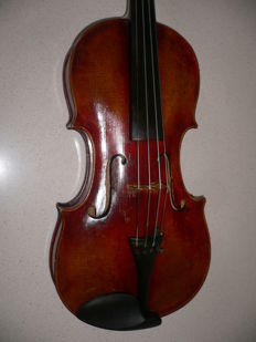 Intact old 4/4 violin with French label (Mirecourt)