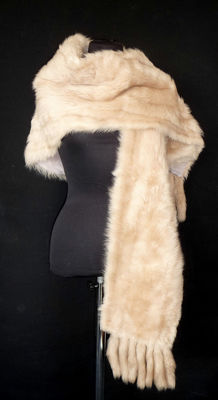 Beautiful XXL lambskin stole fur stole stole fringe scarf real fur in light beige lamb fringe
