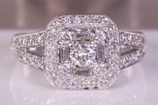 0.72 Ct / 0.18Ct solitaire diamond ring in 14kt gold - ***NO Reserve price***