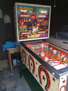 "Bally ""Flip Flop"" pinball of 1974"