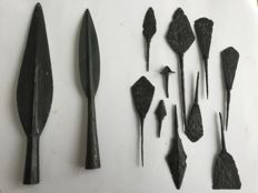 Lot of 10 Medieval arrowheads with two spearheads - 50-250mm (12)