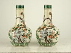 Finely painted famille verte Nanking vases - China - late 19th century