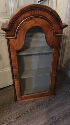 A wooden display cabinet with 3 compartments - key is present - Belgium/France, first half 20th century