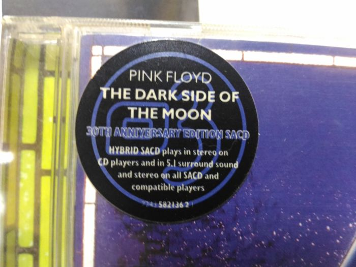 Pink Floyd - Dark Side Of The Moon 30th Anniversary Edition