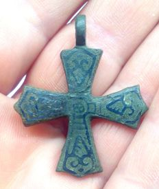 Early medieval bronze Scandinavian cross inlaid with silver 36x30 mm