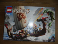 Vikings - 7018 - Viking Ship challenges the Midgard Serpent