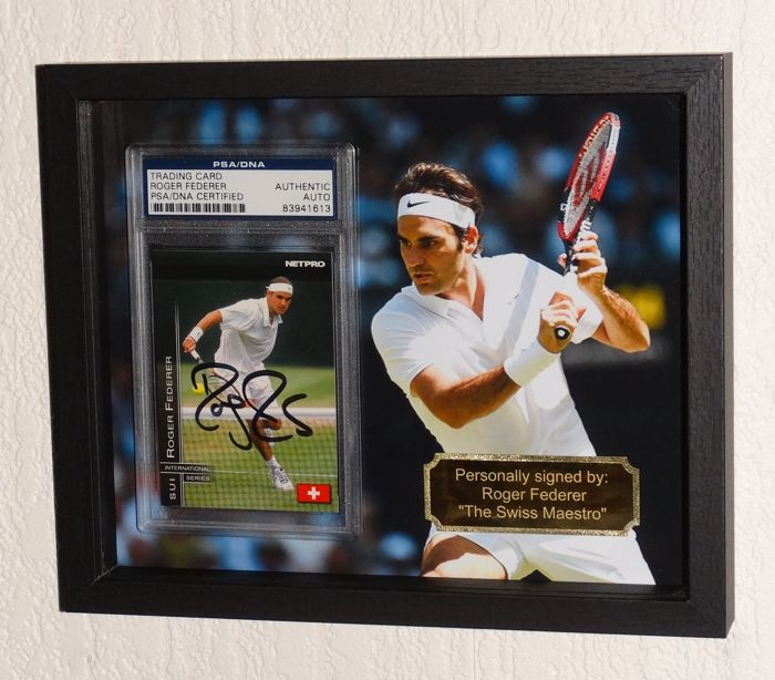 Roger Federer origineel gesigneerde 2003 NetPro Tennis International kaart- Deluxe Framed - PSA Certified