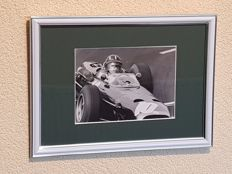 Graham Hill (RIP) - 2x Worldchampion Formula 1 - hand signed framed photo + COA.