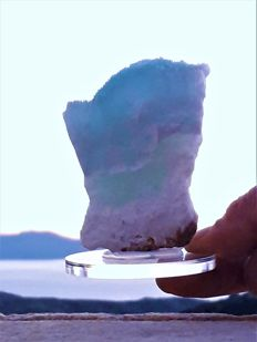 Excellent sample of rare blue with green aragonite  - 8 x 5 x 5,5 cm - 250 gm