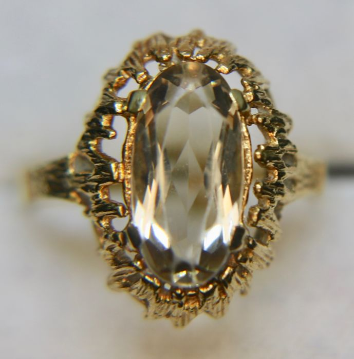 Antique 14Kt gold ring set with a 2.17ct Smokey Quartz in an open decorated frame **No Reserve**