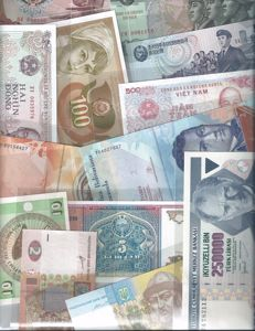 World - 100 different worldwide banknotes