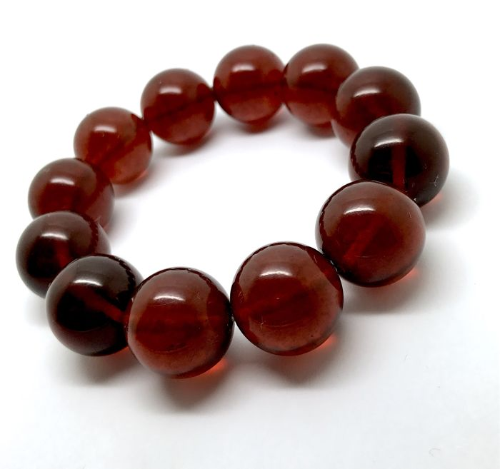 Fine bracelet of natural Baltic amber beads ø16 mm - highly polished cherry colour - no reserve