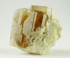 Golden Topaz Crystals with full termiantion on feldspar - 4,0 x 3,8 x 3,2 cm - 73 gm