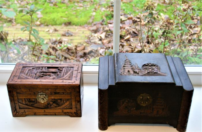 2 wooden tea boxes carved 3-dimensionally - China - late 20th century