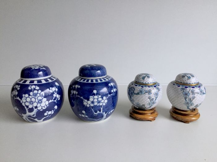 Two set of ginger jars - China - Second half 20th century