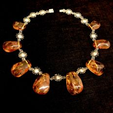 Spectacular vintage collar necklace with large natural Baltic Amber stones, weight 98 grams